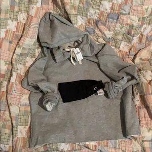 GAP gray cropped sweatshirt XS